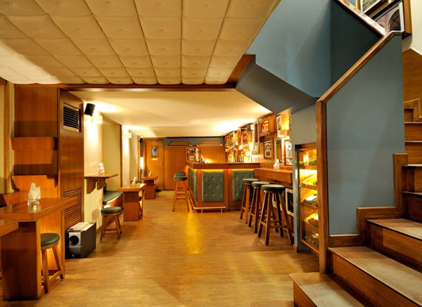 26 LGBTQ Friendly Pubs (Bars) In Mumbai