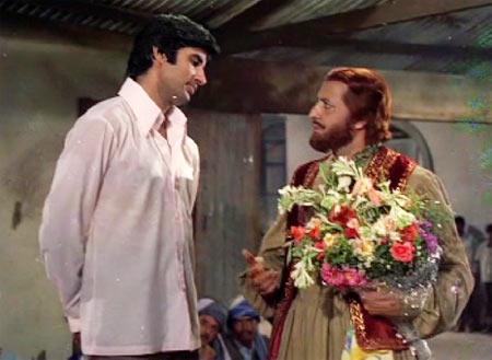 Actors Amitabh Bachchan & Pran in film Zanjeer (1973)